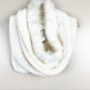 Tahari women's cowl neck chunky knit circle scarf